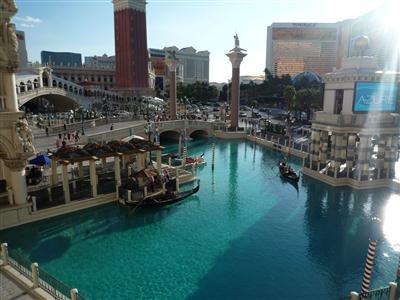 ベネチアンホテル敷地内の運河